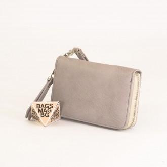 КОД : Y109 Дамски портфейл от плътна и висококачествена еко кожа в сив цвят