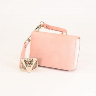КОД : Y109 Дамски портфейл от плътна и висококачествена еко кожа в светло розов цвят