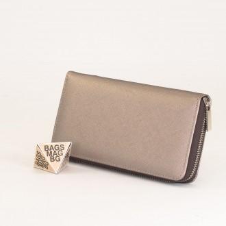 КОД : Y110 Дамски портфейл от плътна и висококачествена еко кожа в сребърен цвят