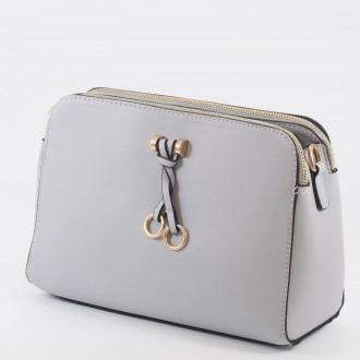 КОД: Z019 Дамска чанта от плътна и висококачествена еко кожа в сив цвят