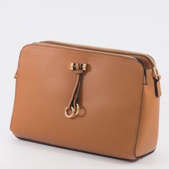 КОД: Z019 Дамска чанта от плътна и висококачествена еко кожа в кафяв цвят