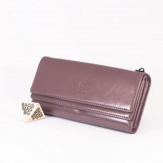 КОД : D630 Дамски портфейл от плътна и висококачествена еко кожа в лилав цвят