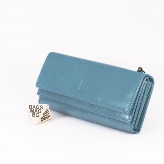 КОД : D630 Дамски портфейл от плътна и висококачествена еко кожа в син цвят