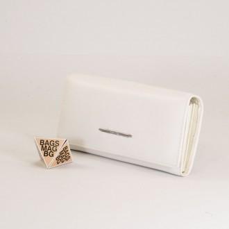 КОД : 40712 Дамски портфейл от естествена кожа е в бял цвят