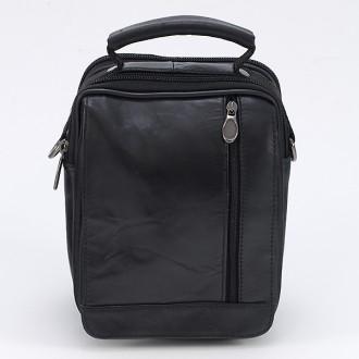 КОД : 2220 Мъжка чанта от естествена кожа в черен цвят