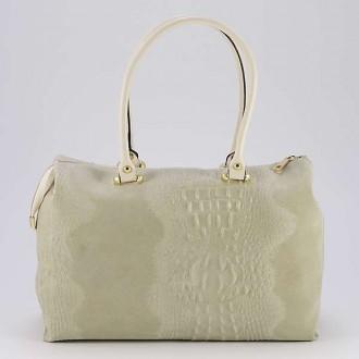 КОД : 0014 Дамска чанта от естествен велур с крокодилска щампа в бежов цвят