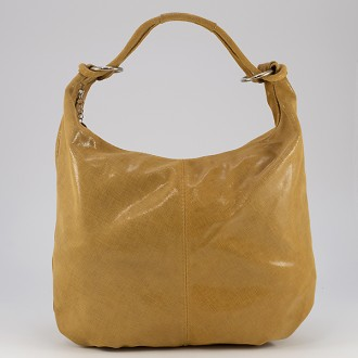 КОД: 0040 Дамска чанта тип торба от естествена кожа с блясък в тъмнобежов цвят